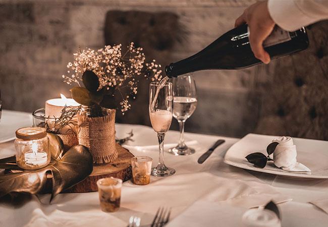 Candle-Light-Dinner mit Tischdeko
